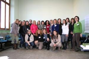 Il gruppo di insegnanti con la formatrice Claudia Crudele e la Dirigente Scolastica e Officer Distrettuale Maria Rita Chiassai