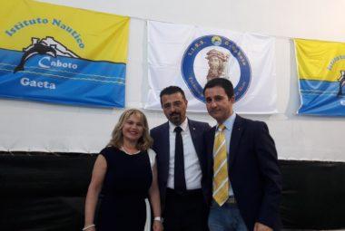 La Dirigente scolastico con il Presidente, dott. Giuseppe Giordano, ed il tesoriere del Club, dott. Luca Duratorre